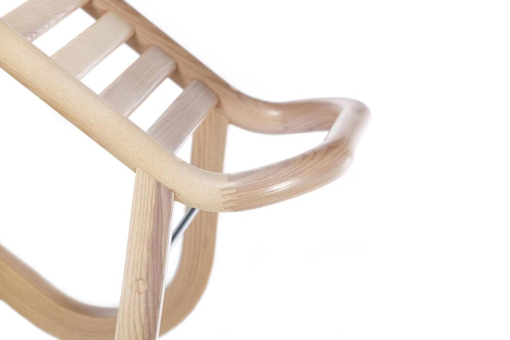 schlitten ton a s von menschen gefertigte st hle. Black Bedroom Furniture Sets. Home Design Ideas