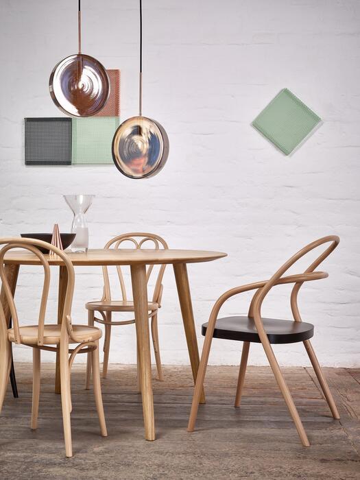 tisch malm 707 ton a s von menschen gefertigte st hle. Black Bedroom Furniture Sets. Home Design Ideas